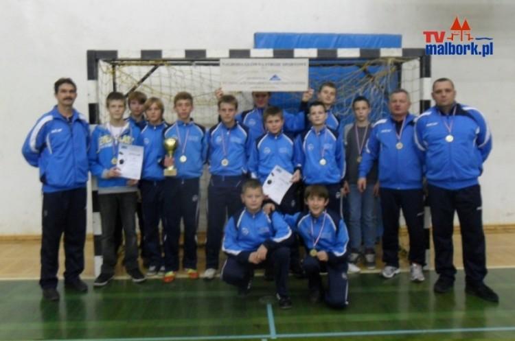 MOP ''POMEZANIA'' 1998/99 wygrała ''DARIO'' CUP 2012 - 2.12.2012