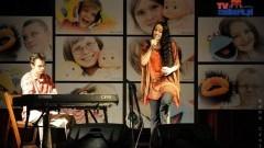 Koncert charytatywny i aukcja Fundacji Szkoła Otwartych Serc oraz Kamy Trojak w obiektywie Kamy Trojak i Michala Statkiewicza