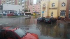 Połamane drzewa, zalane piwnice i ulice - skutki intensywnych opadów w powiecie malborskim - 01.06.2016