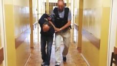 """Elbląg: Podawał się za lekarza i chciał okraść staruszka. Policjanci zatrzymali znanego w Polsce przestępcę – """"Kalafiora"""" - 20.06.2016"""