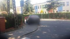 Parkowanie na zakręcie. Mistrzowie (nie tylko) parkowania przy ul. Chełmińskiej w Sztumie - 08.07.2016