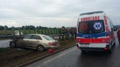 Wypadek na s7. Kierowca mercedesa uderzył w bariery energochłonne - 18.08.2016