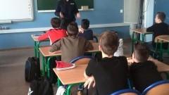Szkoła Podstawowa nr 5 w Malborku. Bezpieczni w Internecie - czyli o spotkaniu z policją słów kilka - 07.03.2017