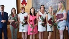Malbork : Podziękowania, gratulacje i pożegnania podczas spotkania Burmistrza z dyrektorami szkół i przedszkoli - 30.08.2017