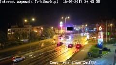 Ściął znak i uciekł. Policja szuka sprawcy. Zobacz nagranie z kamer - 16.09.2017