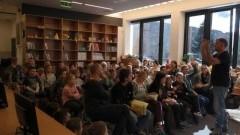"""Malbork : Pisanie to zaklinanie świata w słowa - """"Z książką na walizkach"""" - 05-06.10.2017"""