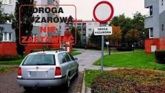 Niedrożne drogi pożarowe pozbawiają nas bezpieczeństwa. Lekkomyślność malborskich mistrzów (nie tylko) parkowania nie zna granic – 05.10.2017