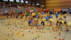 Bawią się znakomicie, dzieci i rodzice. XIV Rambit Przedszkolny w Malborku - 18.11.2017