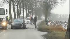 Powiat malborski: Uwaga wypadek! Osoba ranna w zderzeniu trzech samochodów osobowych – 16.12.2017