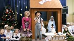 """""""Dzieci wiedzą, że to czas dzielenia się z innymi"""". Jasełka w Szkole Podstawowej w Gminie Malbork – 21.12.2017"""