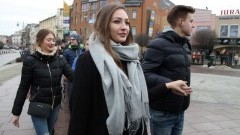 Malborscy maturzyści zatańczyli poloneza na Placu Kazimierza Jagiellończyka - 25.01.2018
