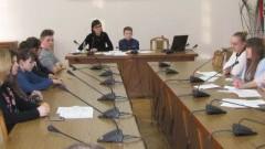 Młodzi radni podjęli pierwsze decyzje w sprawie Nowego Stawu