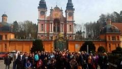 Wycieczka grupy mieszkańców z Gminy Miłoradz do Sanktuarium w Świętej Lipce oraz Lidzbarka Warmińskiego.