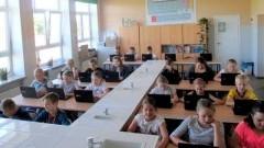 45 laptopów zakupionych dla dwóch placówek oświatowych w Gminie Miłoradz