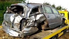 Pijany kierowca stracił panowanie nad autem i dachował. Sprawę bada policja.