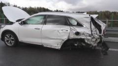 Zderzenie samochodu osobowego z tirem. Wypadek na S22.