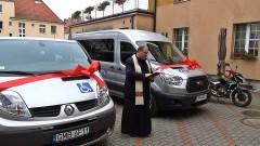 """Dwa nowe busy Starostwo przekazało dla DPS-u i """"Domu Dziecka"""" w Malborku"""