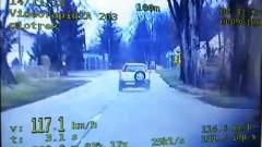 """Jechała 117 km/h, """"zebrała"""" 25 punktów i mandaty, a straciła prawo jazdy"""