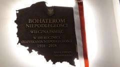 """""""Bohaterom Niepodległości wieczna pamięć"""" - uroczyste odsłonięcie pamiątkowej tablicy w Starostwie Powiatowym w Malborku."""