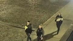 Poznajesz tych mężczyzn? Są poszukiwani w sprawie pobicia. Zobacz video.