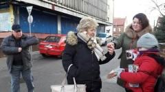 27. Finał WOŚP: Nowostawscy wolontariusze kwestują od rana.
