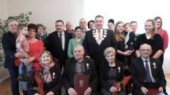 Wręczenie medali za długoletnie pożycie małżeńskie w Starym Polu.