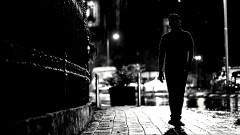 Pijany wpadł pod samochód. Policja wyklucza próbę samobójczą. Weekendowy raport malborskich służb mundurowych.