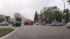 Zderzenie forda z volkswagenem w Malborku. Zobacz wideo i zdjęcia.