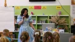 Pisarka i ilustratorka Edyta Zarębska spotkała się z uczniami malborskich szkół