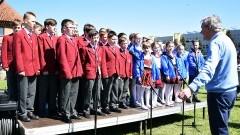 Chór z Kilkenny zaśpiewa na Artystycznej Wiośnie Młodości i na Dzień Dziecka w Jeziornej Osadzie