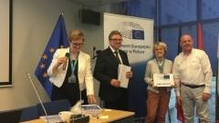 """Malborska ZSP nr 3 ponownie z certyfikatem """"Szkoły Ambasadora Parlamentu Europejskiego""""."""