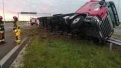 Kmiecin: Kolizja ciężarówki na S7