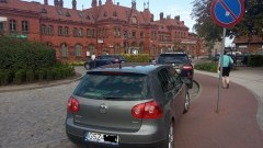 Mistrz (nie tylko) parkowania przy dworcu w Malborku.