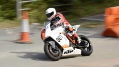 Musiało mu się bardzo spieszyć. Motocyklista jechał prawie 200 km/h w terenie zabudowanym.