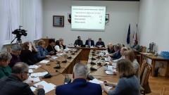 """""""Complex"""" pozwał Radę Gminy Nowy Staw. Spór dotyczy wywożenia śmieci. XVIII sesja Rady Gminy."""