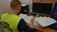 Obywatelom Chin podrabiała dokumenty legalizujące ich pobyt w Polsce.