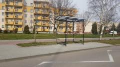 Na ulicach Malborka pojawiły się nowe wiaty przystankowe. A co z zatoczkami autobusowymi?