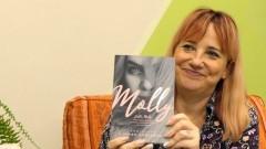 """""""Emocje w jej książkach są jak dobry narkotyk"""" – autorski wieczór z Agnieszką Lingas – Łoniewską."""