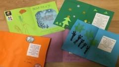 Wyjątkowe kartki z życzeniami trafiły do malborskich policjantów.