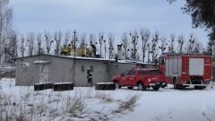 Malbork. Pożar stropodachu na Dalekiej. Strażacy przypominają o obowiązkowym przeglądzie przewodów kominowych.