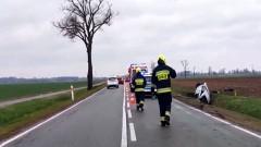 DK22. Mężczyzna trafił do szpitala po wypadku za Starym Polem. Zobacz wideo.