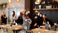 Malbork. Uczniowie ZSP3 z wizytą studyjną w hotelu.