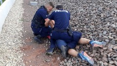 Sztum. Rozbił szyby na dworcu i zaatakował policjantów.
