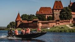 Malbork. Terytorialsi z całej Polski szkolą się na rzece Nogat.