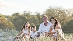 RODZINY ZASTĘPCZE PILNIE POSZUKIWANE INFORMUJE POWIATOWE CENTRUM POMOCY RODZINIE W SZTUMIE