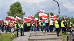 PROTEST RYBAKÓW Z MIERZEI. BLOKOWALI SIÓDEMKĘ - 24.06.2015