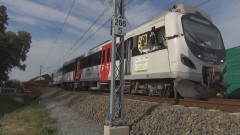 Jurkowice: Pociąg uderzył w naczepę ciągnika, trzy osoby zostały ranne. Kierowca maszyny rolniczej miał blisko 2 promile alkoholu w wydychanym powietrzu – 23.09.2015