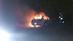 110 tys. strat po pożarze samochodu w Nowinach. Prawdopodobna przyczyną było zwarcie instalacji elektrycznej w komorze silnika - 20.11.2015