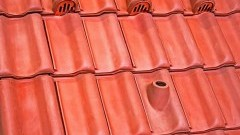 Dachówki wentylacyjne i ich rola w wentylacji poddasza