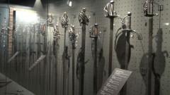 """""""Zbrojownia Malborska"""" została oficjalnie otwarta. Wystawa Oręża Europejskiego w nowej odsłonie. 500 sztuk różnego rodzaju broni i elementów uzbrojenia na podstryszu wschodniego skrzydła Zamku Średniego w Malborku – 18.05.2016"""